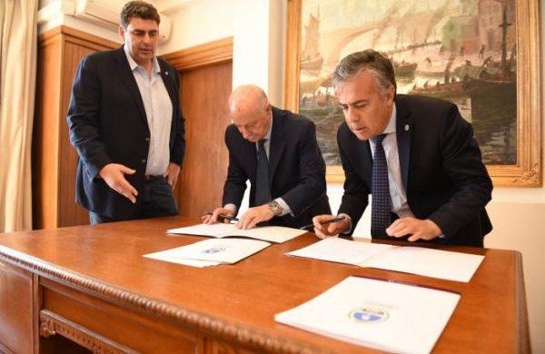 Cornejo firmó un convenio con el Consejo Federal de Inversiones
