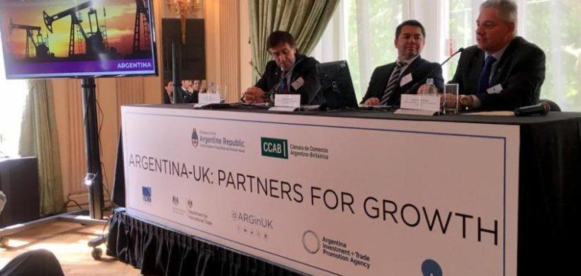 Mendoza busca en Gran Bretaña inversiones para Vaca Muerta