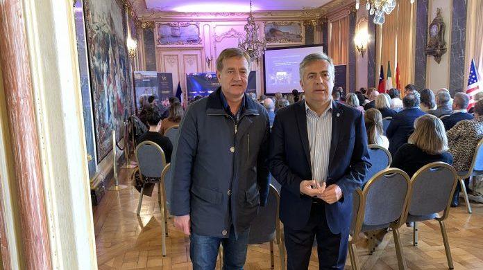 Cornejo y Suarez en la ceremonia inaugural de la asamblea anual de las Great Wine Capitals, en Burdeos