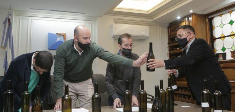 Economía se reunió con la industria vitivinícola para importar botellas desde España